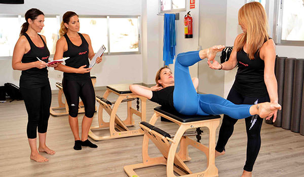 curso pilates sillas chairs pilates10 academy barcelona