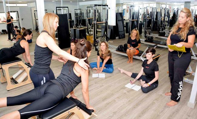 curso pilates silla pilates10 academy
